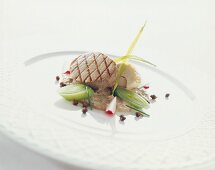 Grilled medallion of veal on tuna sauce