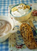Quark with bananas and coconut, hot chocolate for breakfast