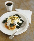 Poached egg on spinach
