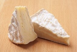 Camembert (soft cheese)