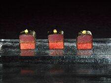 Maki, tuna-melon and tarragon (molecular gastronomy)
