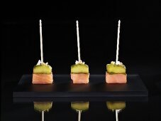 Smoked salmon with cucumber and basil