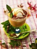 Pear ice cream with caramel sauce