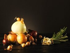 Still life with various types of onion