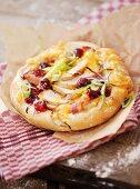Chicken and cranberry mini-pizza
