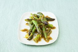 Stir-fried green asparagus
