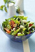 Spinach salad with goats' cream cheese