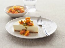 Cheesecake with fruit salsa