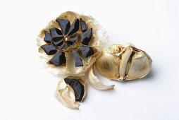 Black garlic (cut open)