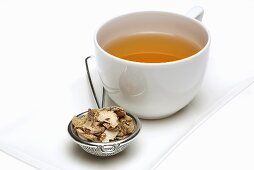 Bletilla tea with dried root