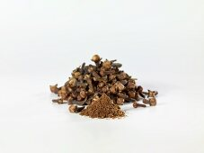 Cloves, whole and ground