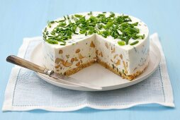 Cheesecake with chanterelles and chives