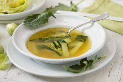Kohlrabi in vegetable broth