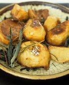 Roast potatoes with herbs