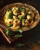 Kaeng Keao Wan Kung (prawns in green curry, Thailand)