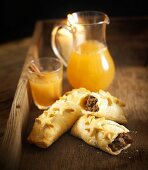 Mince-filled pastry rolls and punch (Bonfire Night, UK)