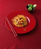 Deep-fried noodles with chilli prawns