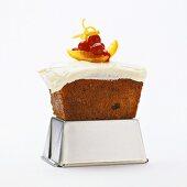 Mini-carrot cake with vanilla cream