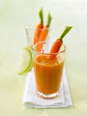 Apple and carrot smoothie