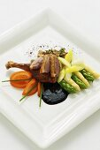Duck with tomatoes, asparagus, oyster mushrooms and oyster sauce (Asia)