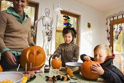 Kürbisse für Halloween basteln