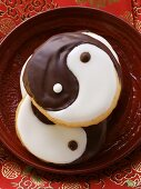 Yin yang biscuits on plate