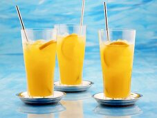 Tangerine Cloud (Cognac, orange liqueur, orange juice)