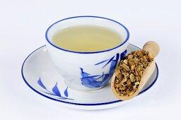 Aucklandia root tea (Aucklandiae Radix, Mu Xiang)