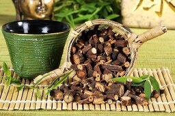 Tea and dried root of Polygonum multiflorum