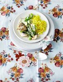 Chicken with green vegetables and tagliatelle