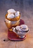 Christmas biscuits: hazelnut macaroons and chocolate macaroons