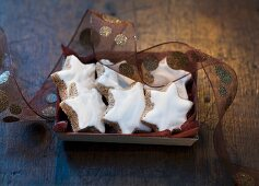 Classic Christmas biscuits: cinnamon stars