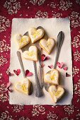 Lemon hearts with spoons