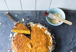 Baking with stevia: carrot cake and almonds
