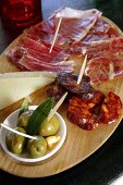 Tapas: ham, sausage, olives and cheese