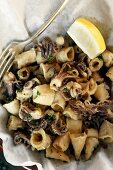 Chipirones fritos (fried squid, Spain)