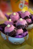 Bi-coloured Easter sweets