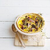 Chicken pie with red onions and mushrooms