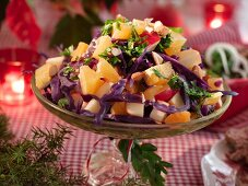 Christmas salad with red cabbage, oranges and apples (Sweden)
