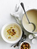 Cream of cauliflower soup with cheese and mustard croutons
