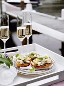 Crostini with artichokes and feta cheese
