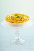 Cream cheese tart with mango