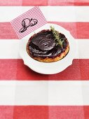 Red beet tart with onions