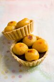 Apricots tarts with chocolate
