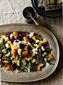 A wintry cabbage salad with croutons and goat's cheese