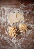 Selbstgemachte Bandnudeln und Lasagneplatten