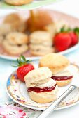 Scones with strawberry jam and custard cream