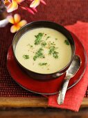 Curried cauliflower soup with coriander