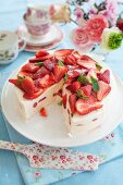 Frozen cheesecake with strawberries