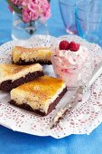 Cheesecake brownies with raspberry cream